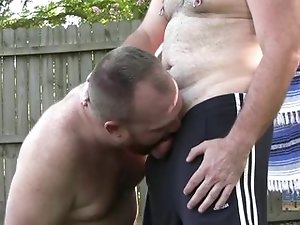 daddy bears fuck outside
